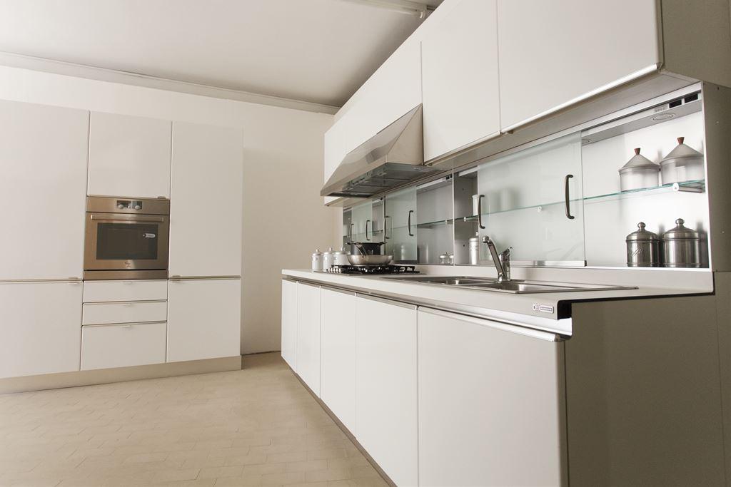 Ferroni mobilia arredamenti salvarani cucina diva for Mobilia arredamenti