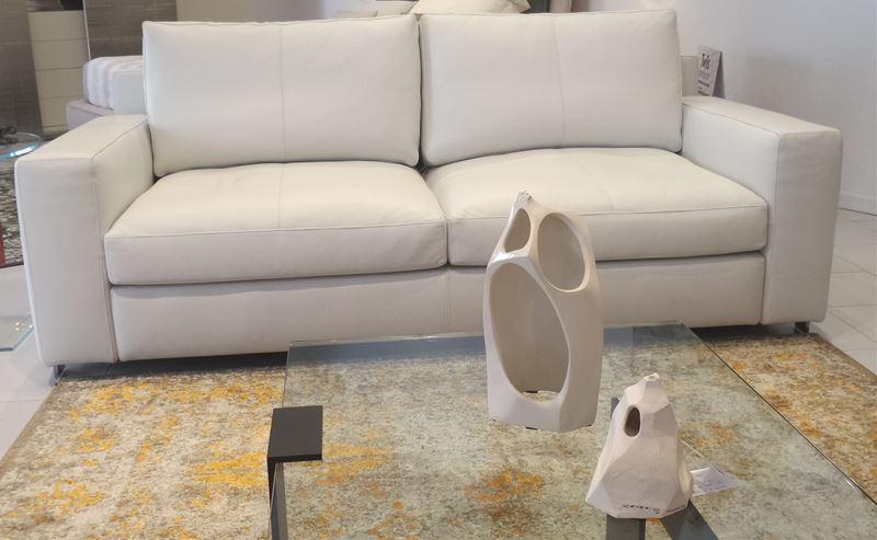 Ferroni mobilia arredamenti poltrona frau divano for Ferroni sassari
