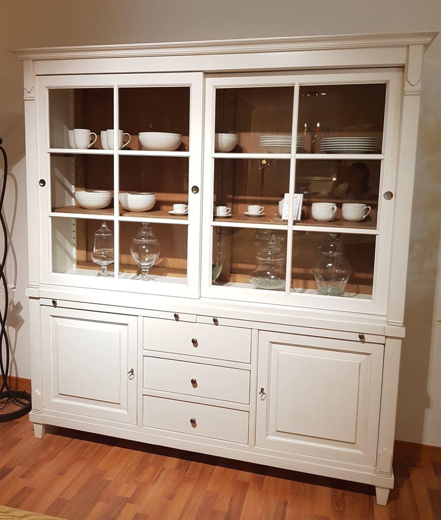 Ferroni mobilia arredamenti artigiani veneti vetrina for Mobilia sassari